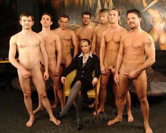 Много Обнаженных Мужчин